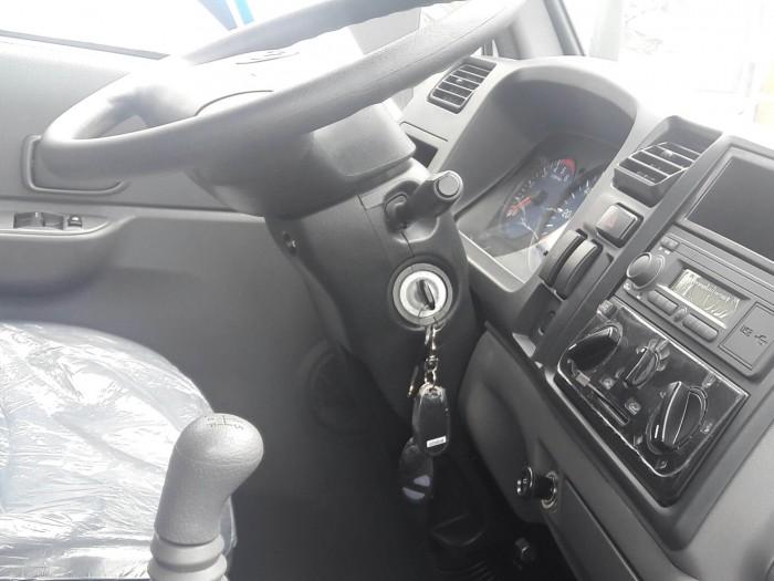 Cabin được thiết kế không gian rộng, tiện dụng, tạo cảm giác thoải mái cho người điều khiển phương tiện trên xe tải iz49 Đô Thành.