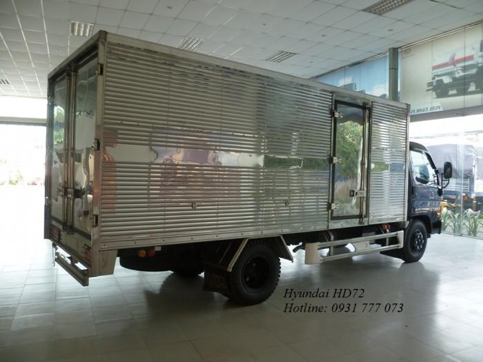 Xe tải HD72 Đô Thành sử dụng động cơ D4DB 130PS với thiết kế nổi trội về ngoại thất, nội thất cùng tính năng vận tải hàng hoá thông dụng cho người vận tải tại Việt Nam.