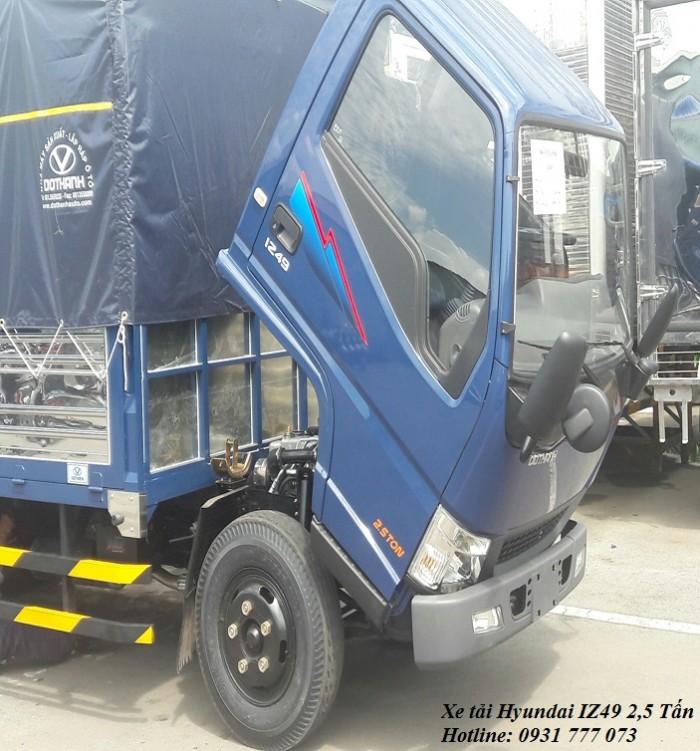Hyundai IZ49 2,4 Tấn - Trả trước 80 triệu, giao xe trong vòng 5 ngày 3