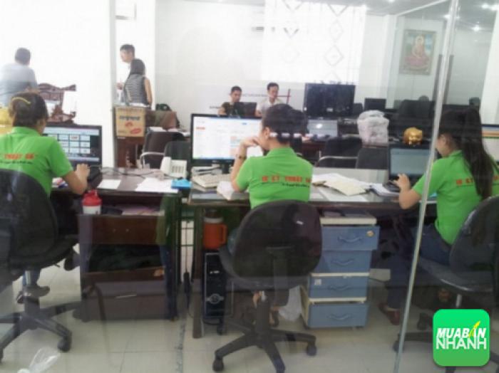 Hỗ trợ tư vấn dịch vụ in ấn là đội ngũ nhân viên CSKH đến từ In Kỹ Thuậ...