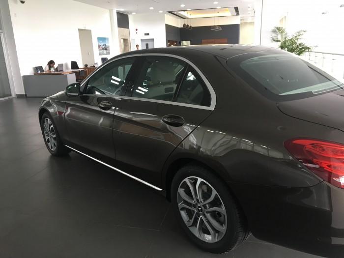 Bán xe Mercedes C200 2017 - phiên bản nâng cấp hộp số 9 cấp, xe giao ngay