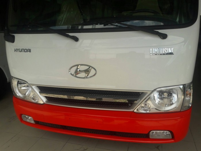Mua xe Hyundai County 29 chỗ tặng xe máy, tặng tiền mặt. Xe khách County 29 chỗ vay trả góp đến 90% Giá Trị xe! 3