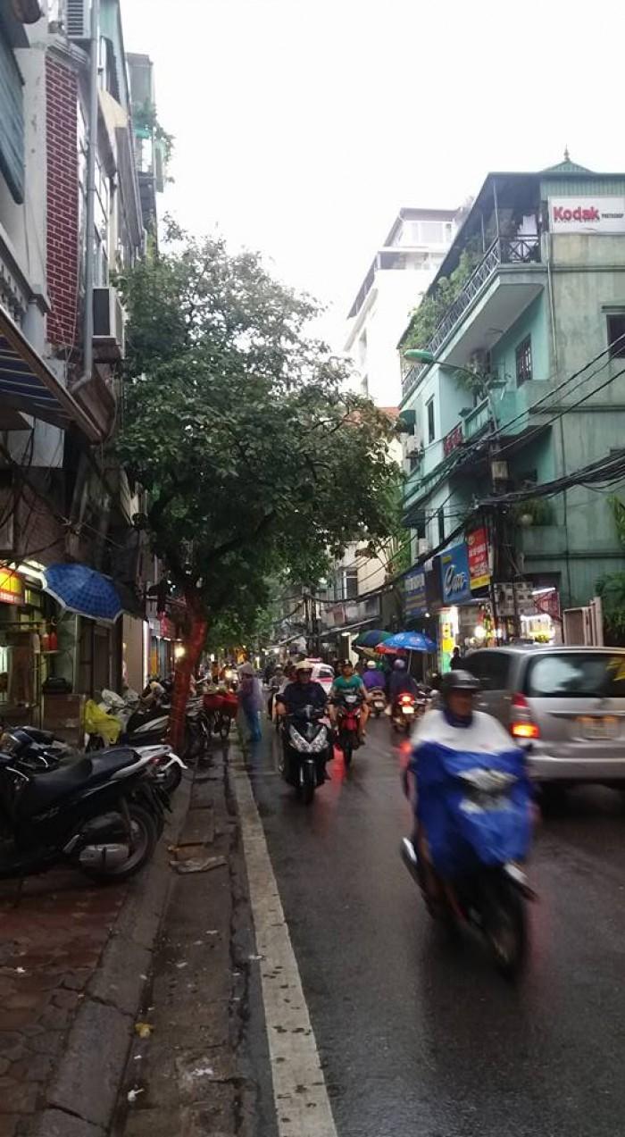Mặt phố Yên Phụ, kinh doanh sầm uất, vừa tiền, 66m2, 3 tầng, mt 3,5m. Giá: 15,8 tỷ