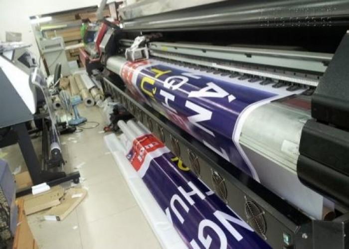 Hệ thống nhiều máy in phun kỹ thuật số khổ lớn giúp In Kỹ Thuật Số trong cù...