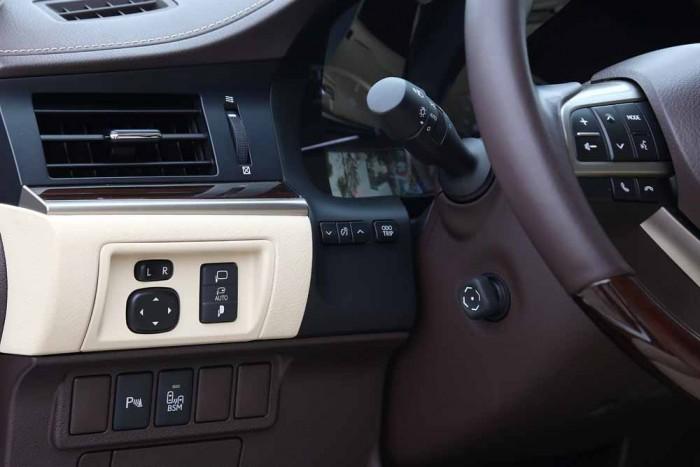Lexus ES350 2016 28