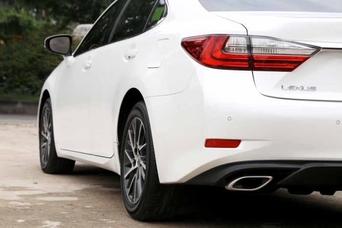 Lexus ES350 2016 26