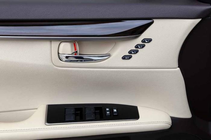 Lexus ES350 2016 22