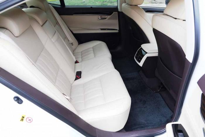 Lexus ES350 2016 12