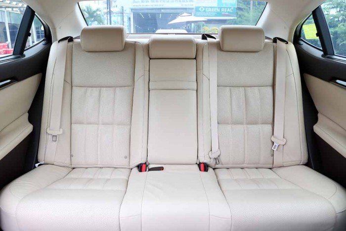 Lexus ES350 2016 24