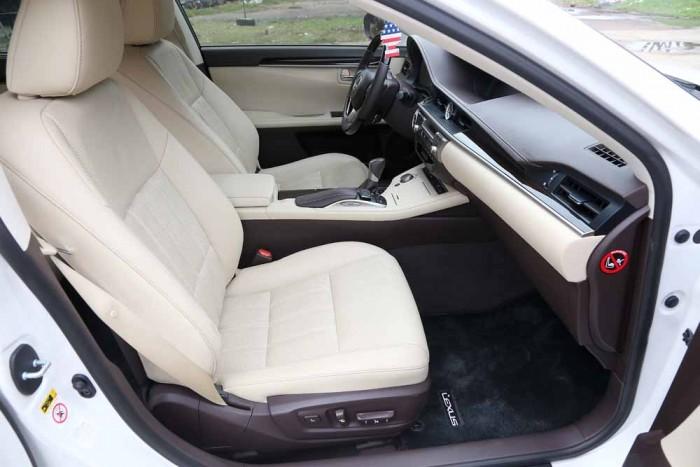 Lexus ES350 2016 18