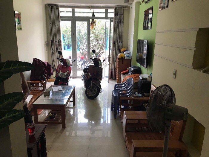 Nhà cấp 3 1 trệt 2 lầu hxh Phạm Văn Chiêu