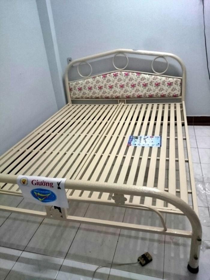 Giường sắt giá rẻ cho mùa mưa 1m6x2m,hcm