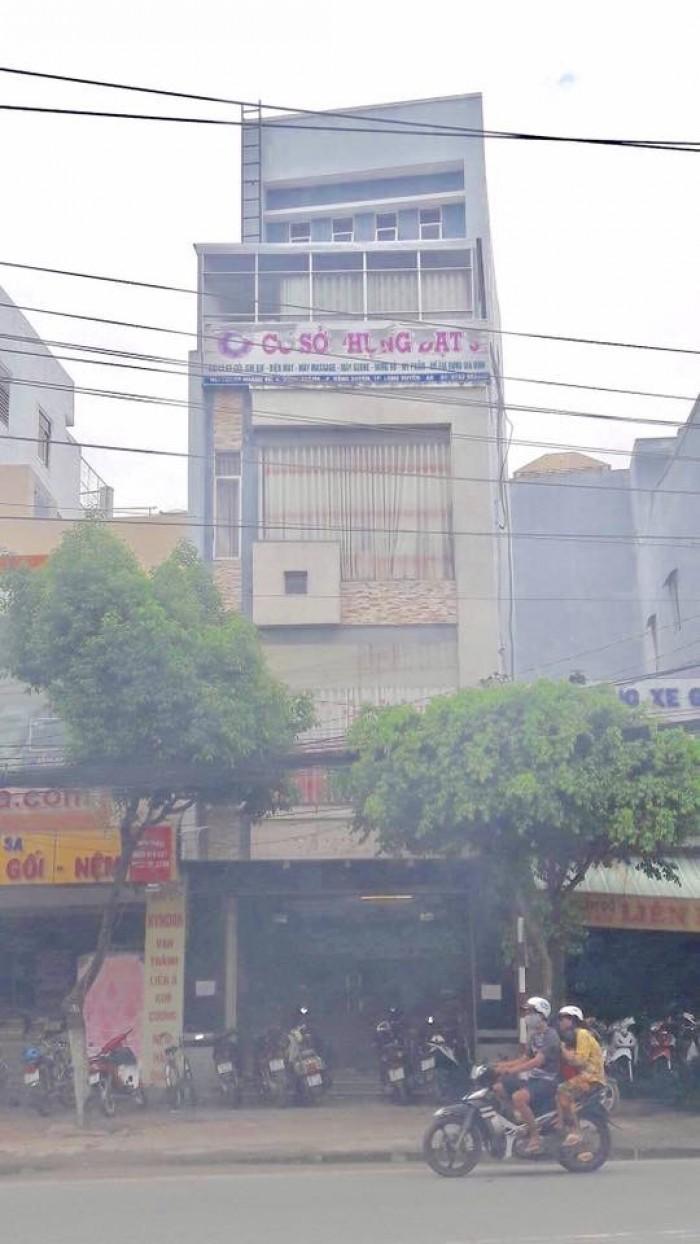 Bán/cho thuê  nhà 1 trệt 4 lầu ngay trung tâm TP Long Xuyên