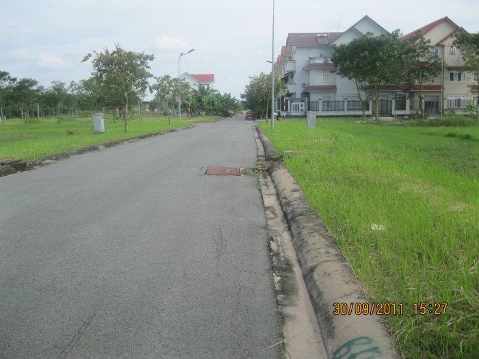 Bán đất nền nhà phố trong 13B Conic-ngay đường số 7-140m2-giá chỉ 24tr/m2-sổ đỏ