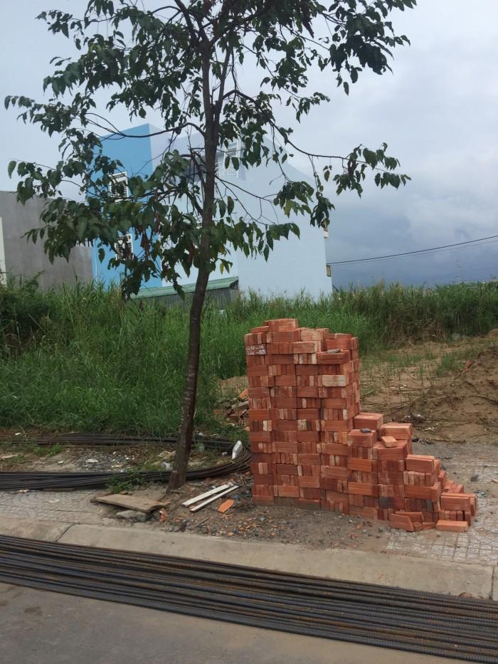 Cần bán miếng đất thổ cư 5x24 Thị trấn Đức Hòa giá 310 tr, sổ hồng riêng công chứng liền.