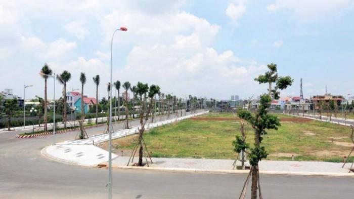 Bán đất MT đường Nguyễn Duy Trinh quận 2, đối diện chợ kinh doanh và mua bán