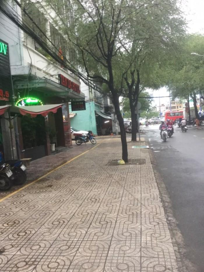 Bán nhà MT đường Võ Văn Kiệt, P 1, Q. 5 (4.25m x 11.5m, 3 lầu tuyệt đẹp) giá chỉ 8.55 tỷ
