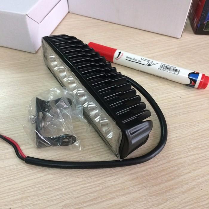 ĐÈN LED TRỢ SÁNG C6 1 TẦNG 6 LED THẲNG HÀNG 18W 2