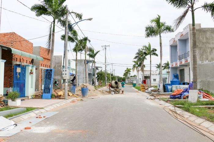 Bán đất 100m2/400tr Tỉnh lộ 10, cho thuê miễn phí kiot trong chợ