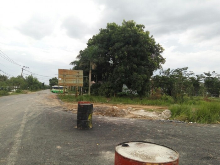 Bán đất khu du lịch sinh thái BCR đường tam đa quận 9, đã có sổ hồng riêng,xd tự do giá chỉ 18tr/m2