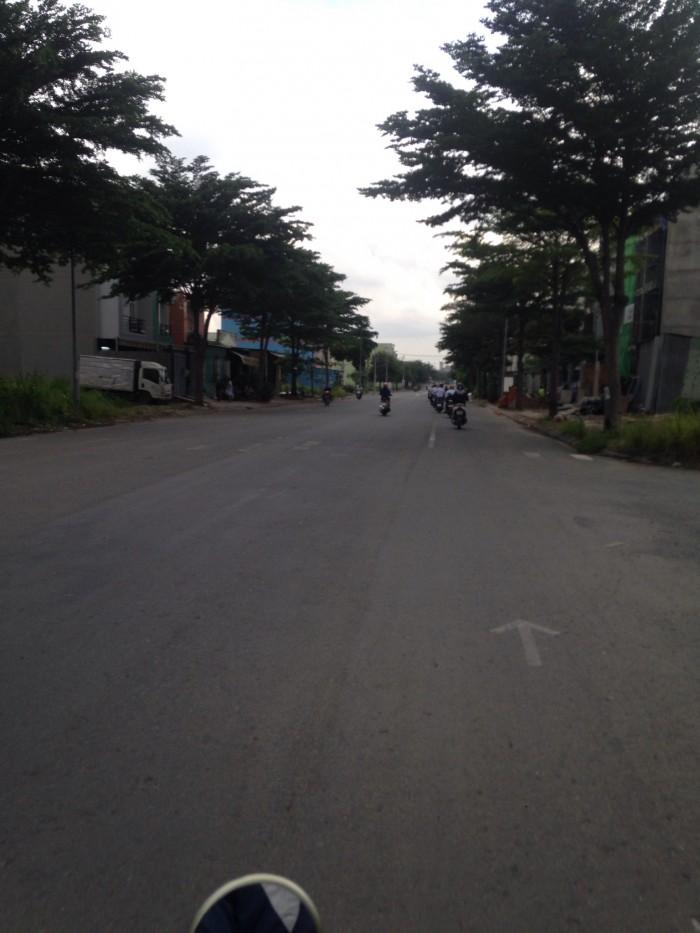 Bán đất nằm trên đường Ngô Chí Quốc, Bình Chiểu, Thủ Đức.