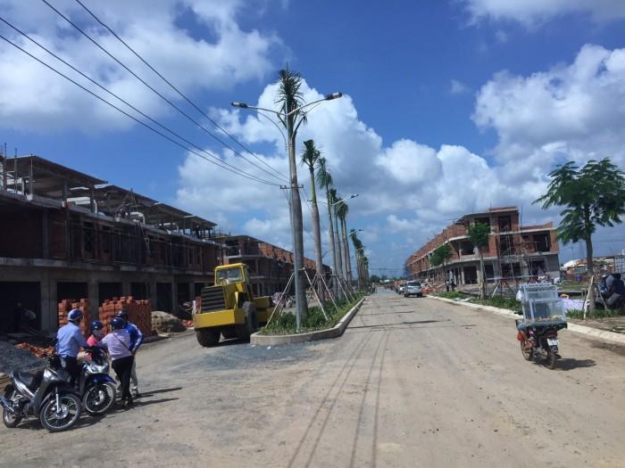 Nhà Phố Mặt Tiền Đường Lớn Giá Rẻ Khu Vực Trung Tâm Sài Gòn
