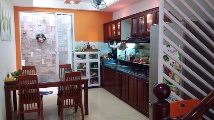 Bán nhà HXH 86 Thích Quảng Đức, DT 4mx17,5m=70m2, nhà 3 lầu đẹp