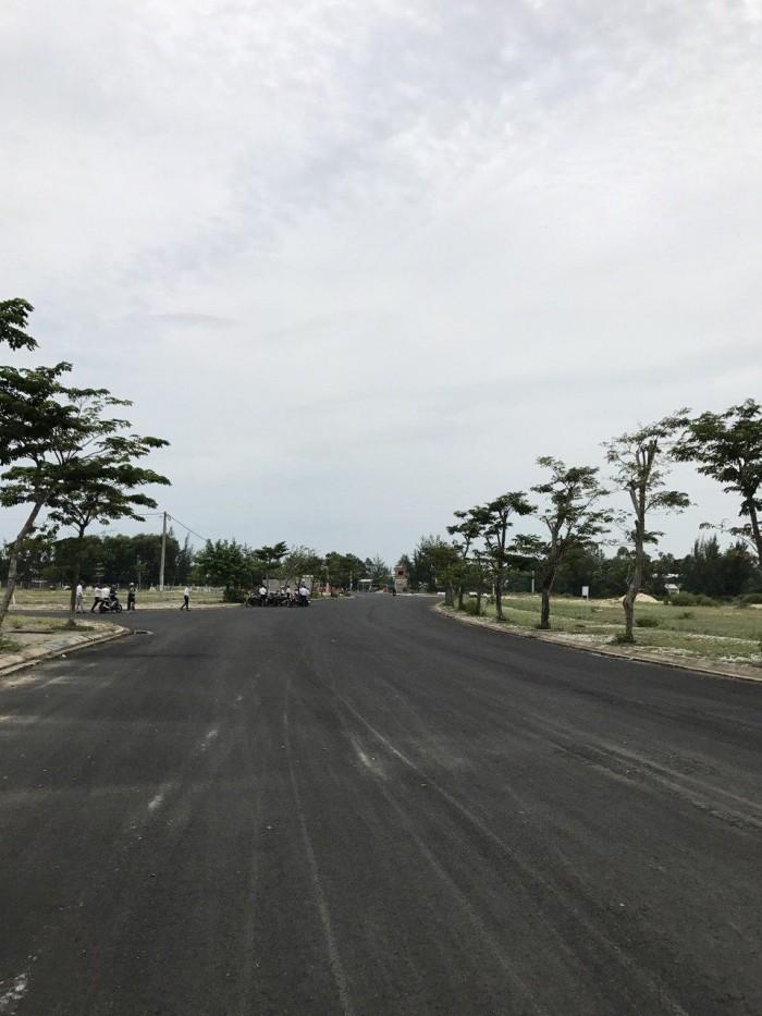 Đất mặt tiền đường 34m, ngay sau lưng Cocobay