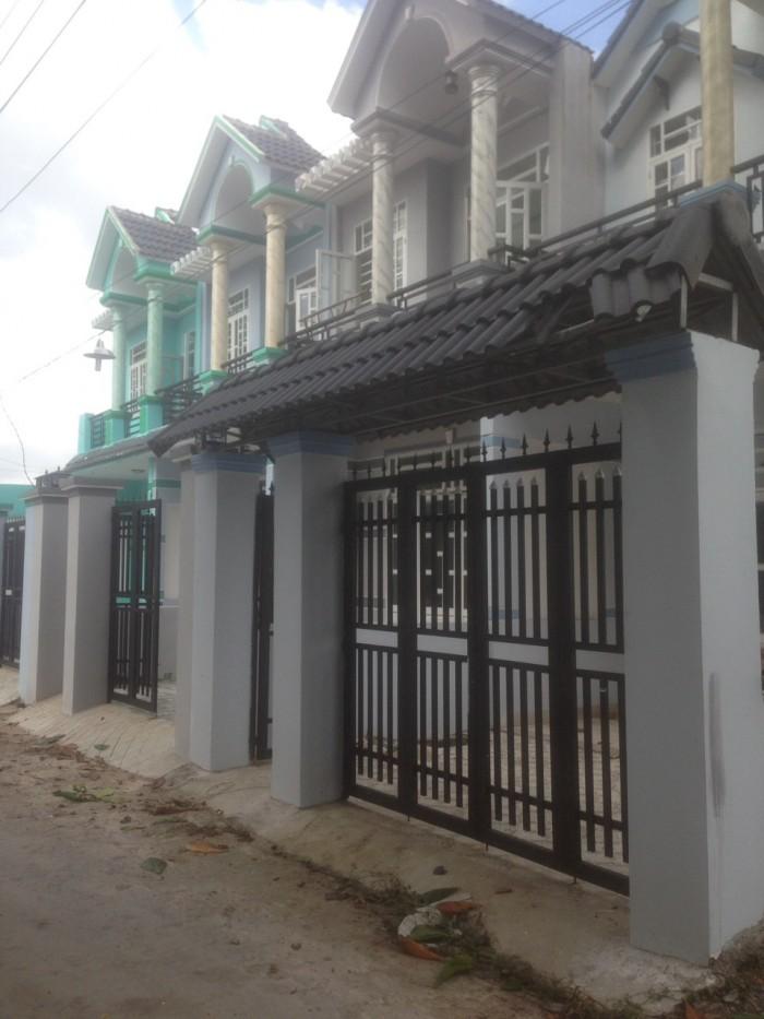 Bán nhà mới ngã tư Đất thánh, ngay Thiên hòa, Thuận giao, Bình Dương