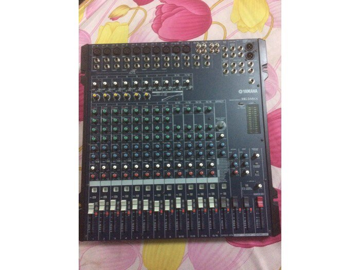 Mixer Yamaha 166cx0