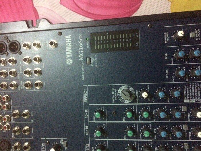 Mixer Yamaha 166cx3