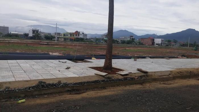 Cần bán lại lô đất ở gần chợ Hòa Khánh 650 triệu để xây ở hoặc xây trọ