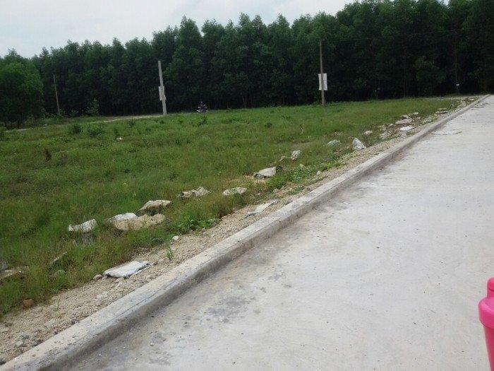 Cần tiền bán gấp lô đất 95m2 liền kề khu công nghiệp Long Phước chỉ 330 tr