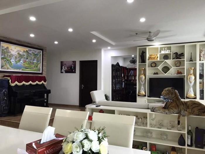CHÍNH CHỦ bán nhà Hoàng Văn Thái 96m2, 5 tầng, MT 5.2m, giá 9.2 tỷ