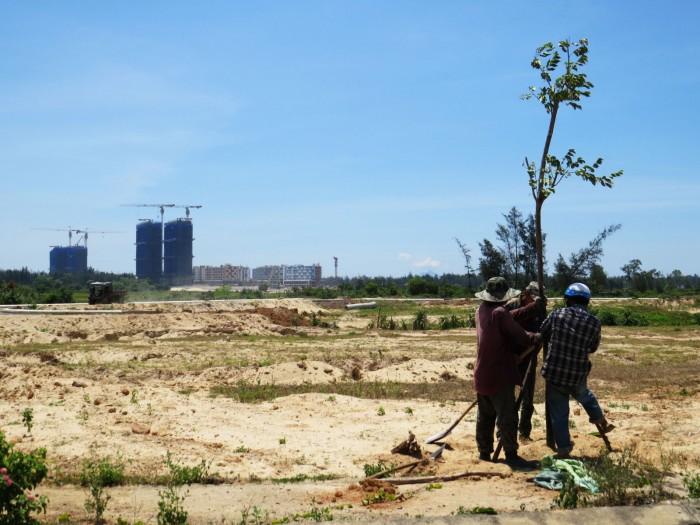 Lô đất chính chủ sát vách FPT 2 mặt tiền