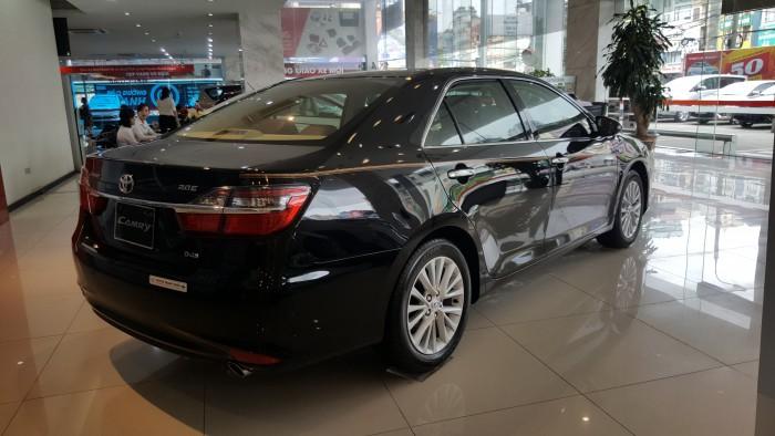 Toyota Camry 2.0E giá tốt, xe đủ màu giao ngay. Hỗ trợ ngân hàng 85% giá trị xe. Chi tiết