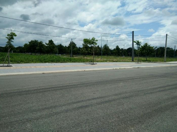 Đất đường cách mạng tháng 8 gần trường CĐ Dầu Khí