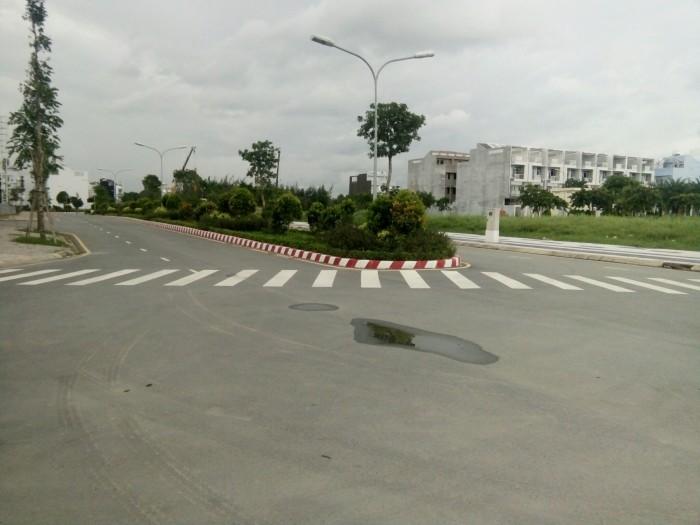 Nhà phố Mizuki mặt tiền đại lộ Nguyễn Văn Linh.