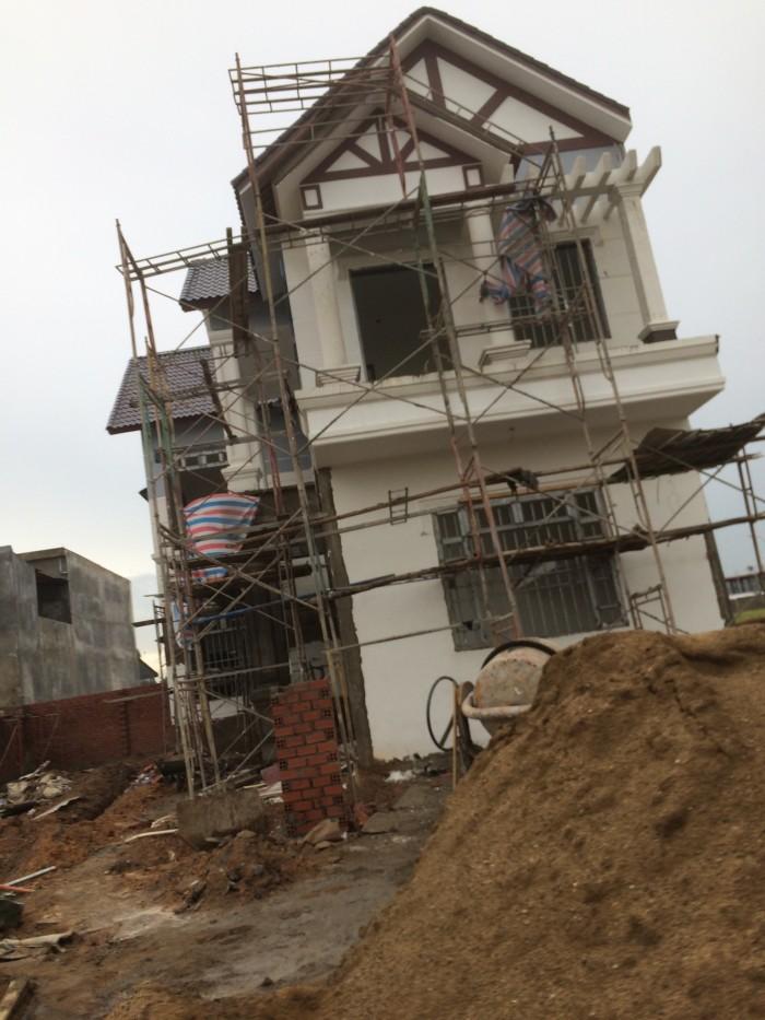 Nhà nằm trên đường Đỗ Văn Dạy, nhà xây mới ,ai có nhu cầu mua xin liên hệ tôi.