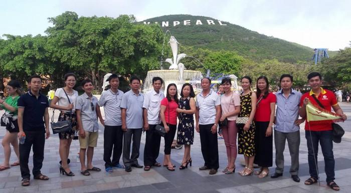 Đoàn khách sử dụng dịch vụ tuyệt vời tại Vietseason travel