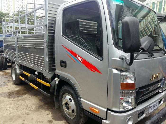 Bán xe tải JAC 2t4/ 2,4t/ 2 tấn 4 thùng dài 3m7 hỗ trợ trả góp, vay cao 1