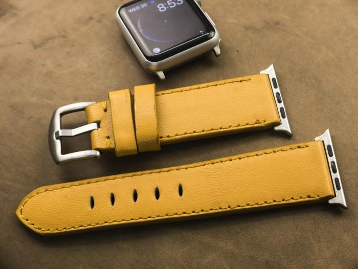 Dây đồng hồ da bò Handmade của Thi Atelier cho Apple Watch3