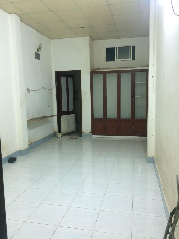 Cho thuê phòng trọ 26m2_có toilet riêng, chỗ để xe và wifi miễn phí, giờ giấc tự do_ Đoàn Văn Bơ, Q4
