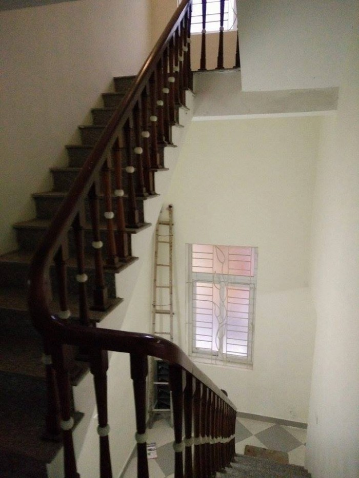 Cho thuê nhà phố Lê Trọng Tấn, 110m, 4 tầng, làm văn phòng công ty, ở, …