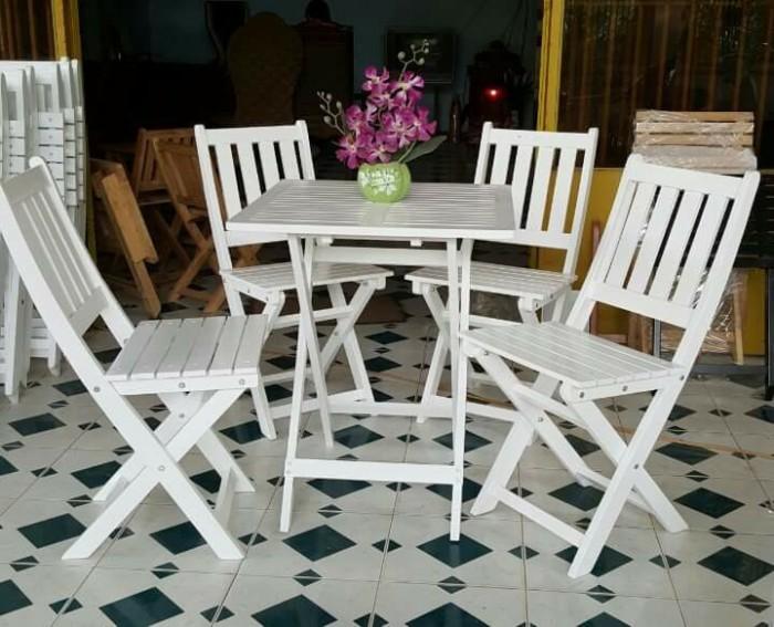Bàn ghế gỗ đa màu giá góc tại xưởng2