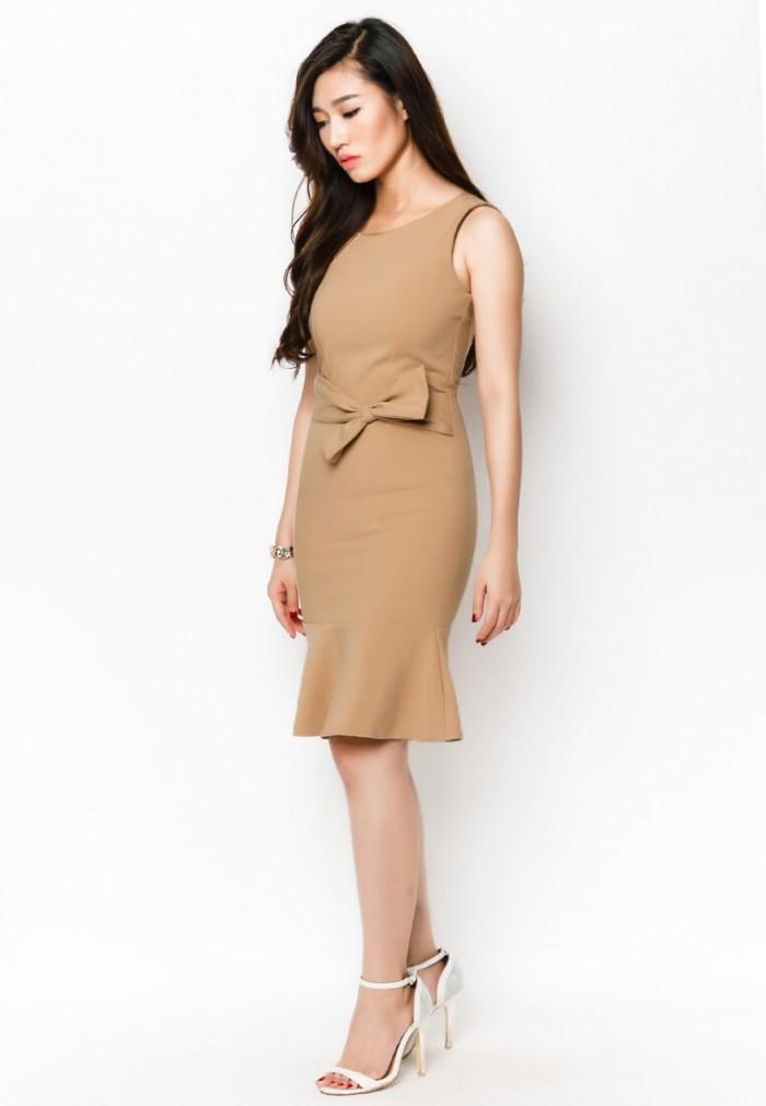 Thời trang áo đầm đồng phục công sở tại AnnA Uniforms được may theo size chuẩn hoặc theo số đo từng người.