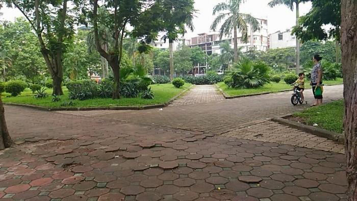 Bán nhà Vườn hoa 1-6, DT: 28m2 x 3 tầng, lợi nhuận ròng 12%/năm