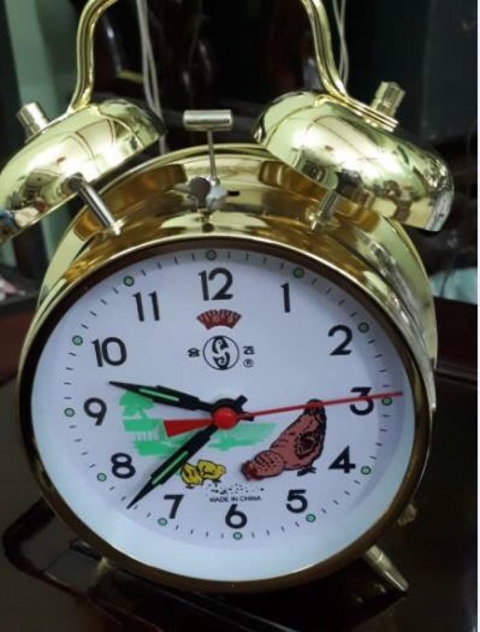 Đồng hồ để bàn dòng cổ điển chạy bằng dây cót