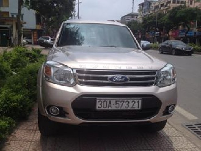 Ford Everest 2.4MT 2015