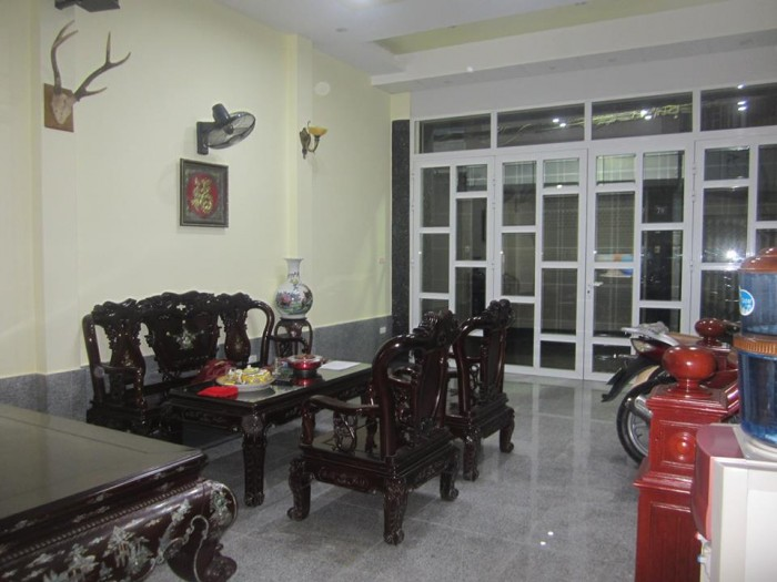 Cần bán gấp căn nhà ở phố Hồn Mai diện tích 20m2 x 3 tầng.